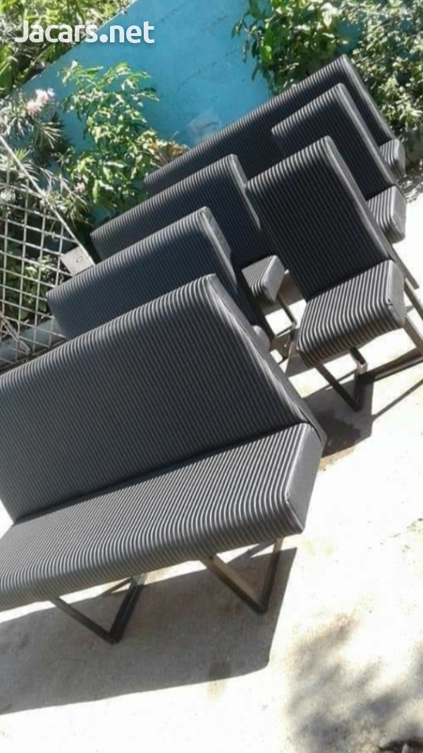 We make and install bus seats-1