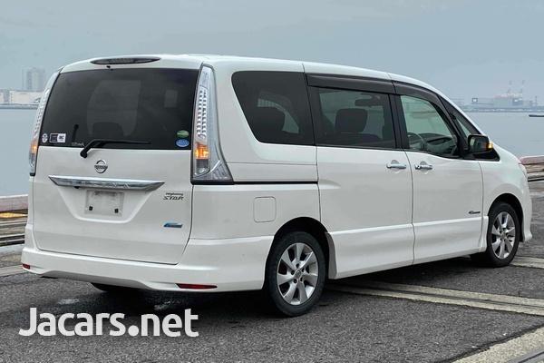 Nissan Serena 2,0L 2012-3