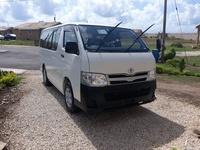 Toyota Hiace 2,0L 2013