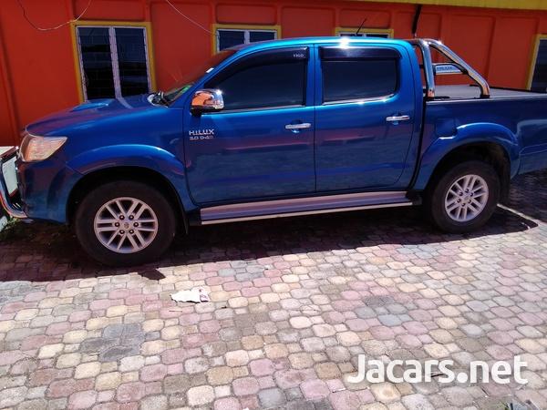 2014 Toyota Hilux SR-5