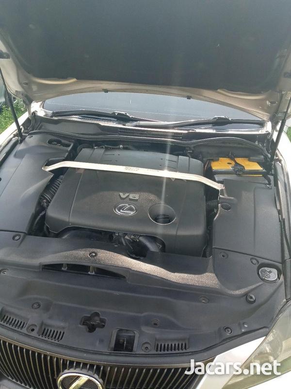 Lexus IS 2,5L 2008-7