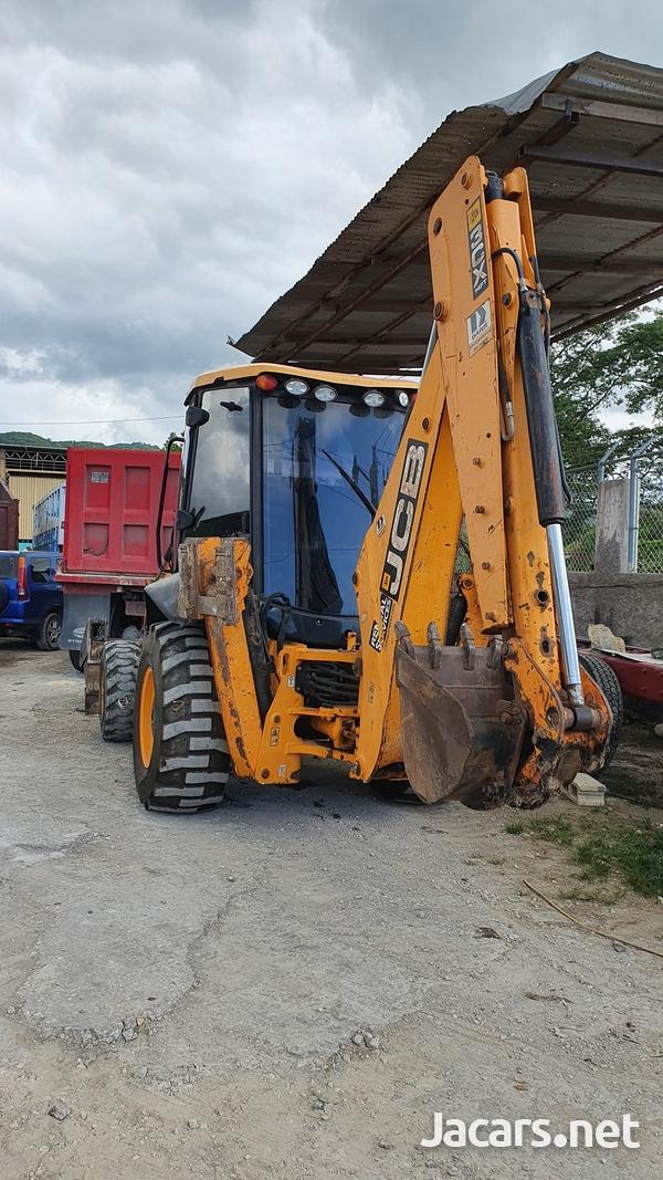 2010 JCB 3CX Tractor-3