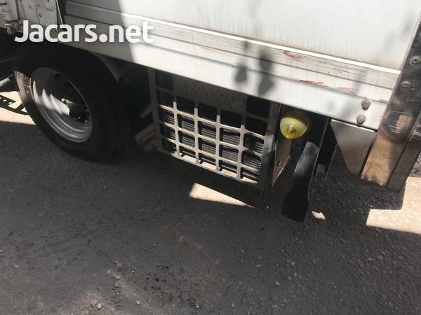 2012 Isuzuz Box Truck-8