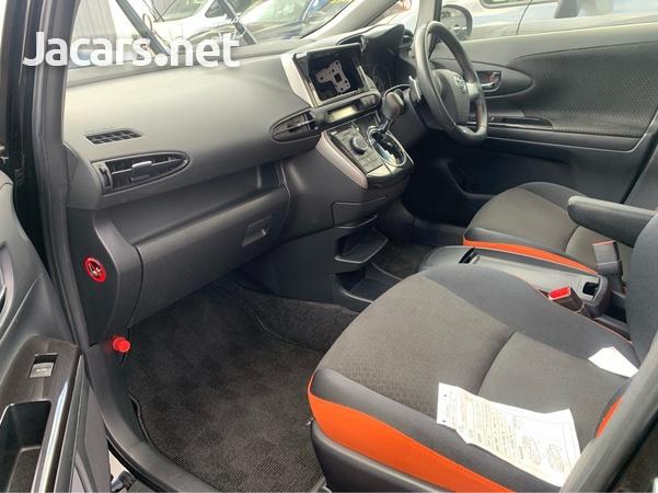 Toyota Wish 2,0L 2013-5