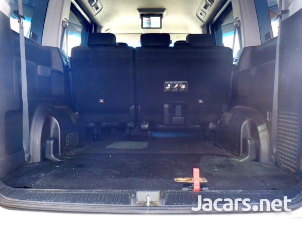Honda Stepwgn Spada 1,8L 2012-7