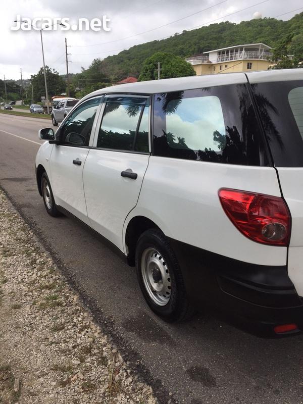 Nissan AD Wagon 1,5L 2015-11