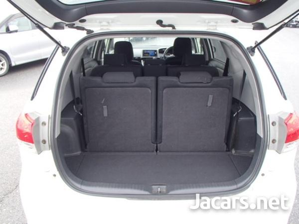 Toyota Wish 1,7L 2012-8