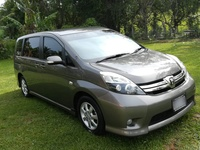 Toyota Isis 1,6L 2013