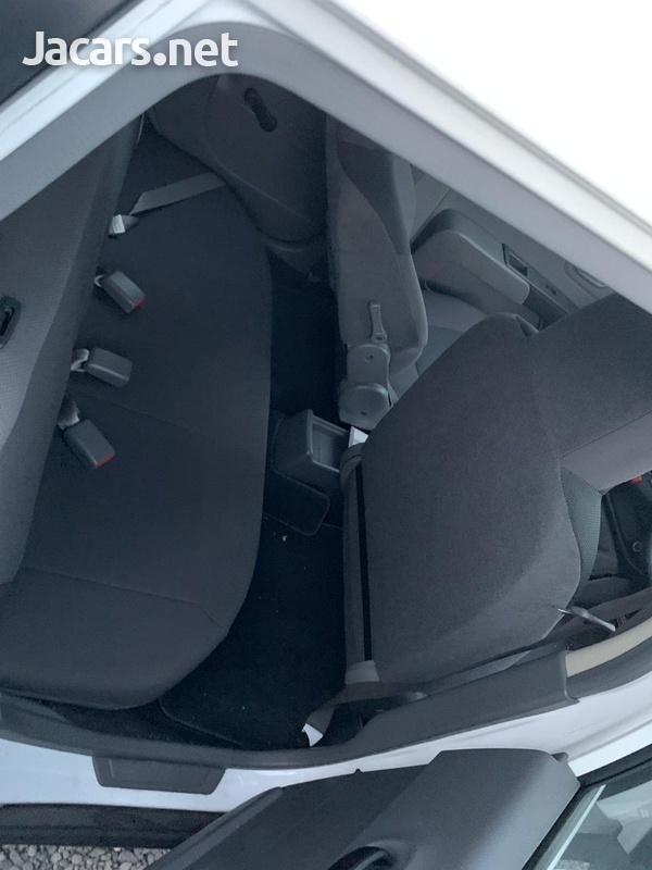 Nissan AD Wagon 1,5L 2014-7