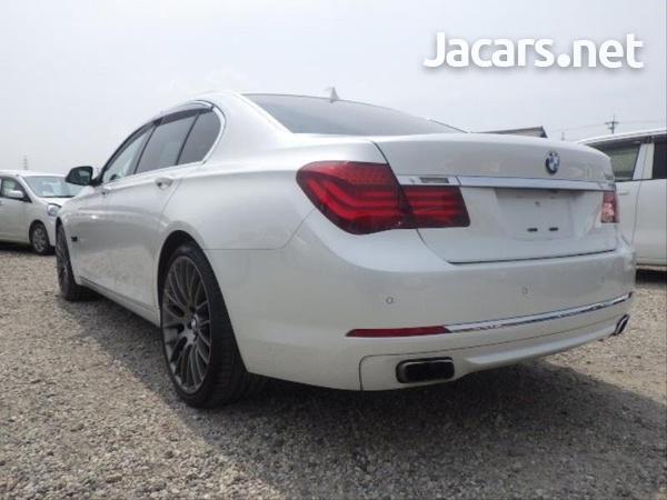 BMW 7-Series 0,4L 2014-5