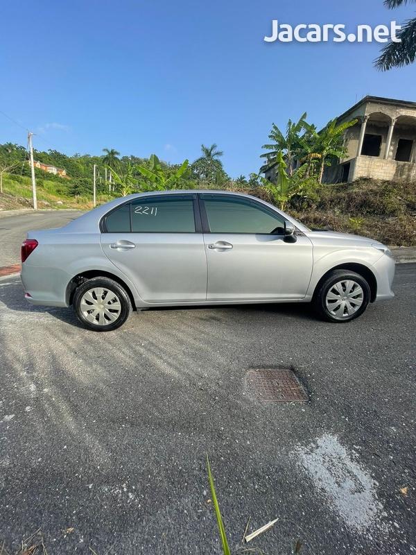 Toyota Axio 1,5L 2016-14