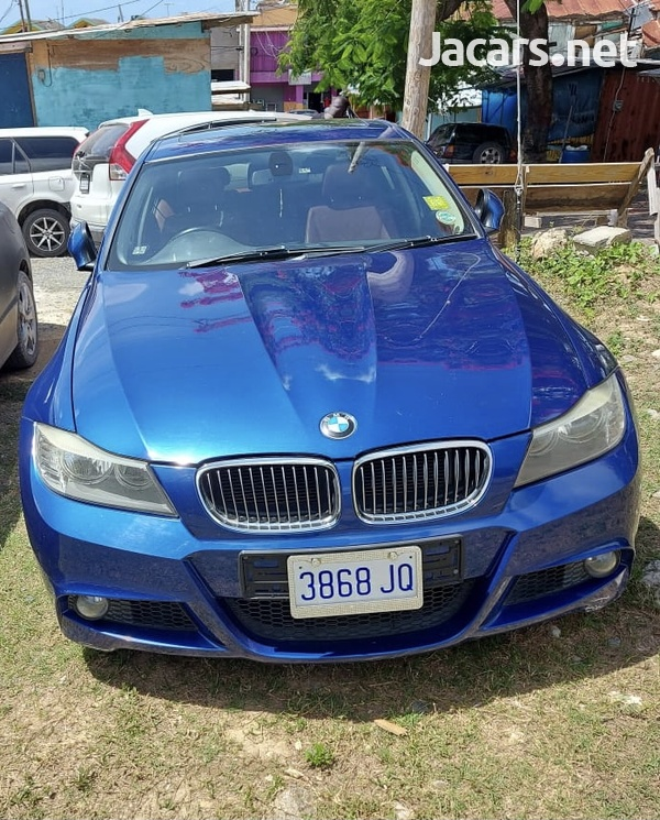 BMW 3-Series 3,0L 2011-9