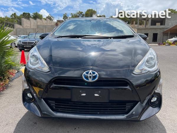 Toyota Aqua 1,5L 2015-3