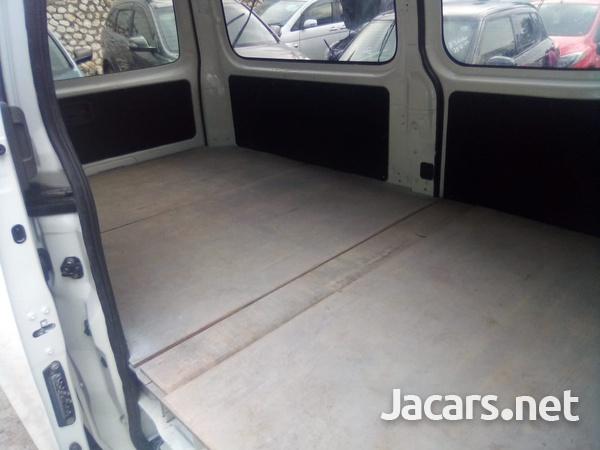 Nissan Caravan 2,5L 2013-6