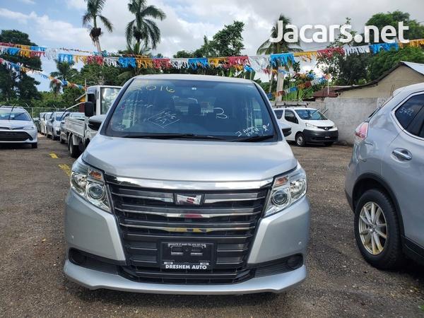 Toyota Noah 2,0L 2016-1