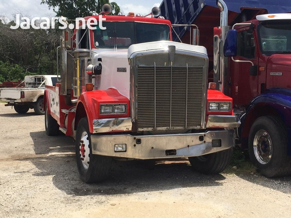Kenworth W900 with 750 Homes boom-2