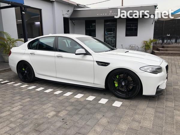 BMW 5-Series 2,5L 2011-1