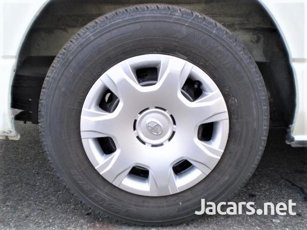 Toyota Hiace Bus 3,0L 2015-10