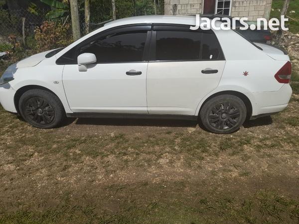 Nissan Tiida 1,8L 2011-5