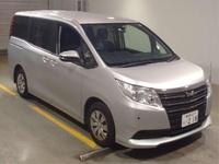 Toyota Noah 2,0L 2014
