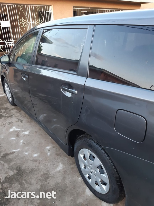 Toyota Wish 1,7L 2014-7