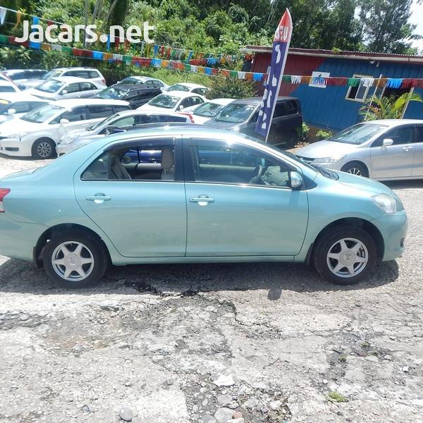 Toyota Belta 1,3L 2012-7