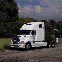 2004 Freightliner Columbia Truck