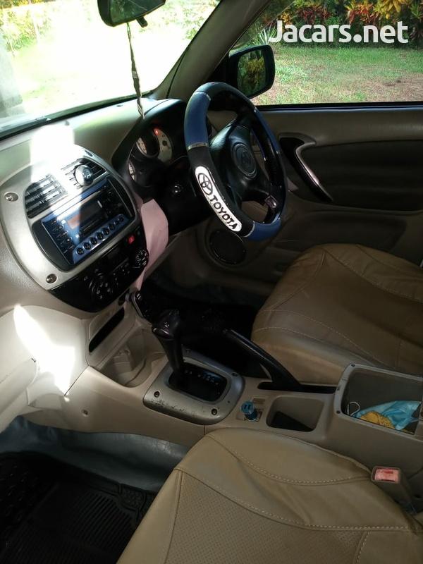 Toyota RAV4 2,2L 2000-4