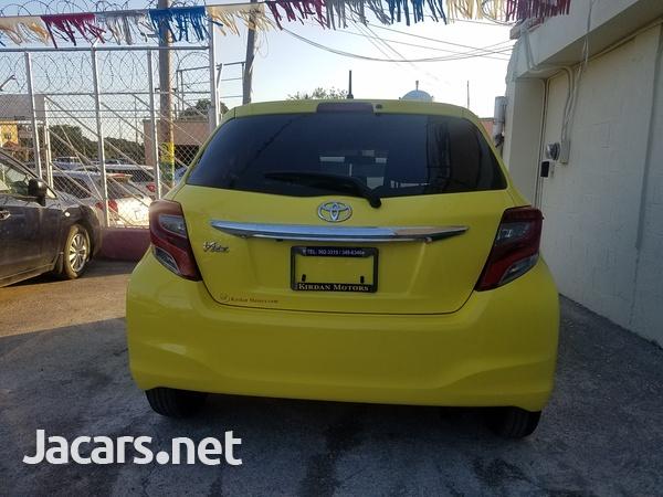 Toyota Vitz 1,0L 2014-6