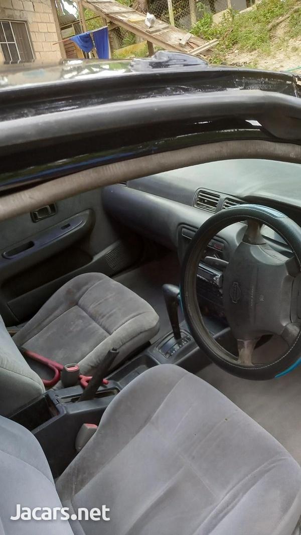 Nissan Sunny 1,0L 1997-4