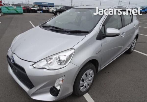 Toyota Aqua 1,5L 2015-1