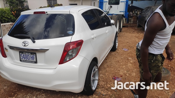 Toyota Vitz 1,3L 2011-9
