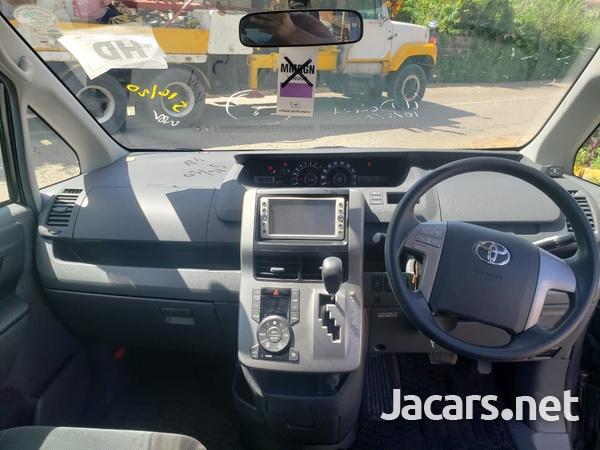 Toyota Noah 2,0L 2010-11