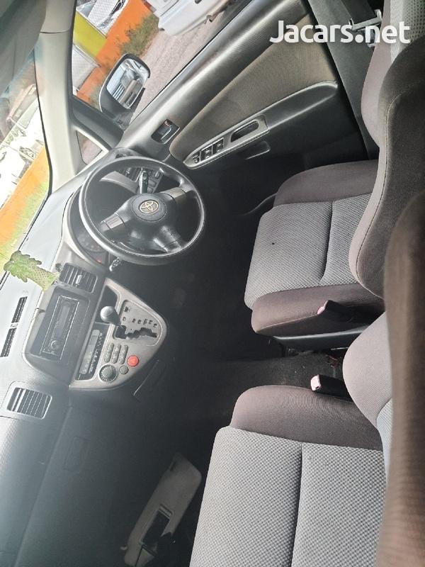 Toyota Wish 1,8L 2007-5