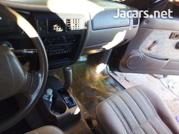 Toyota Tacoma 2,4L 2000-7