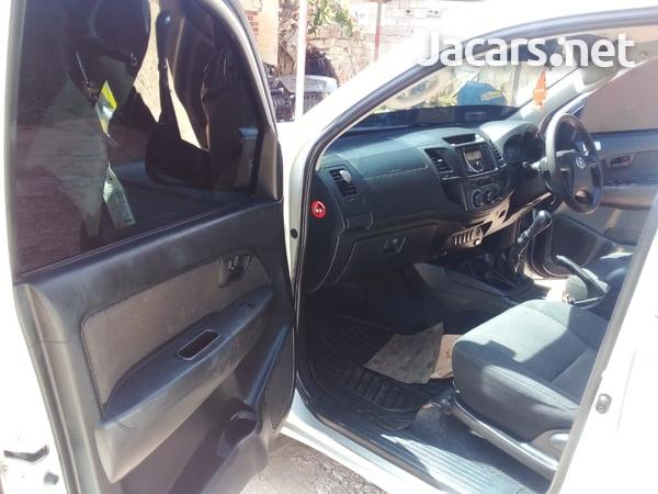 Toyota Hilux 2,5L 2015-9