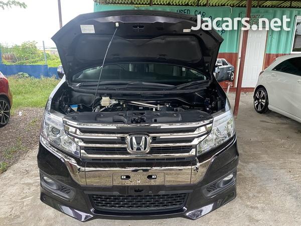 Honda Stepwgn Spada 2,0L 2013-2