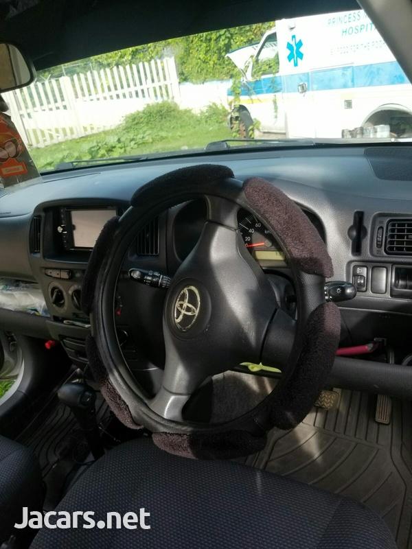 Toyota Succeed 1,5L 2012-3