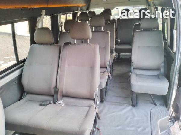 Toyota Hiace 3,0L 2012-10