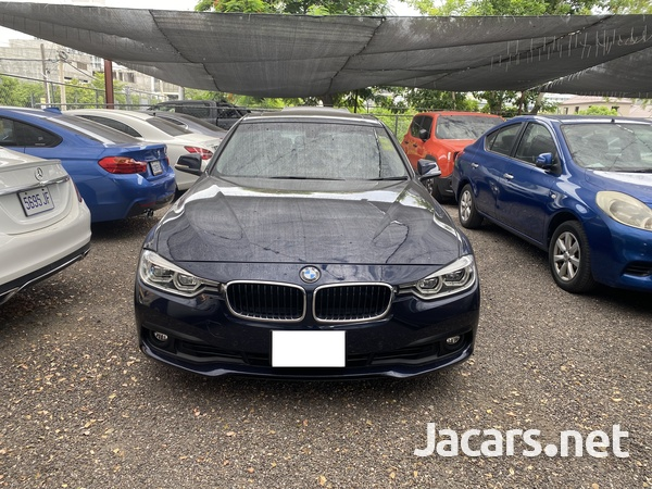 BMW 3-Series 2,0L 2017-1