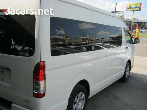 Toyota Hiace Bus 2,0L 2014-3