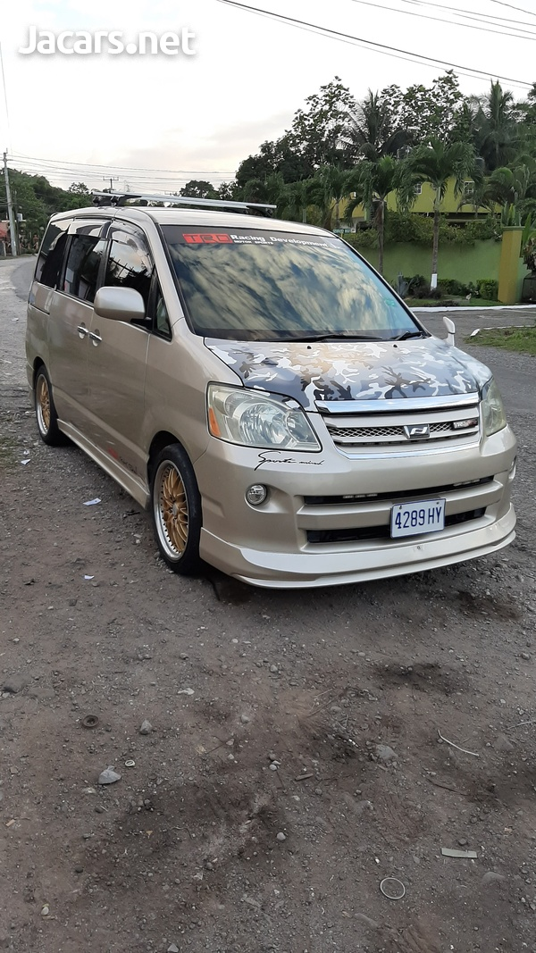 Toyota Noah 2,0L 2006-10
