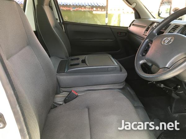 Toyota Hiace 2,0L 2011-5