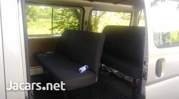 Nissan Caravan 3,6L 2011-3