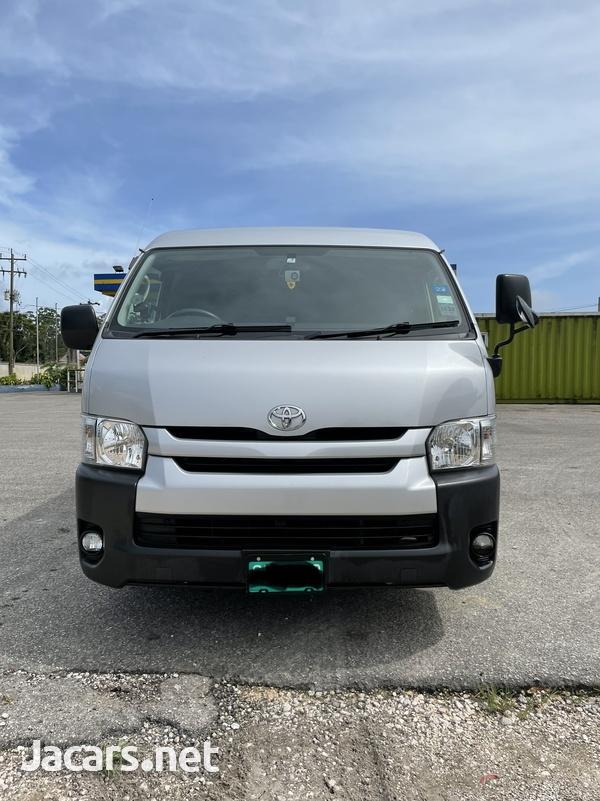 Toyota Hiace 2,7L 2017-1