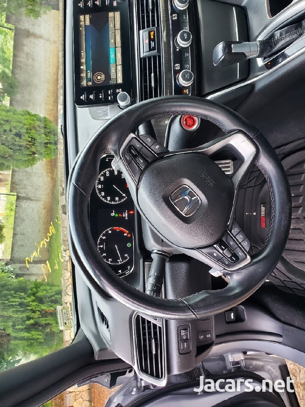 Honda Accord 1,8L 2018-12