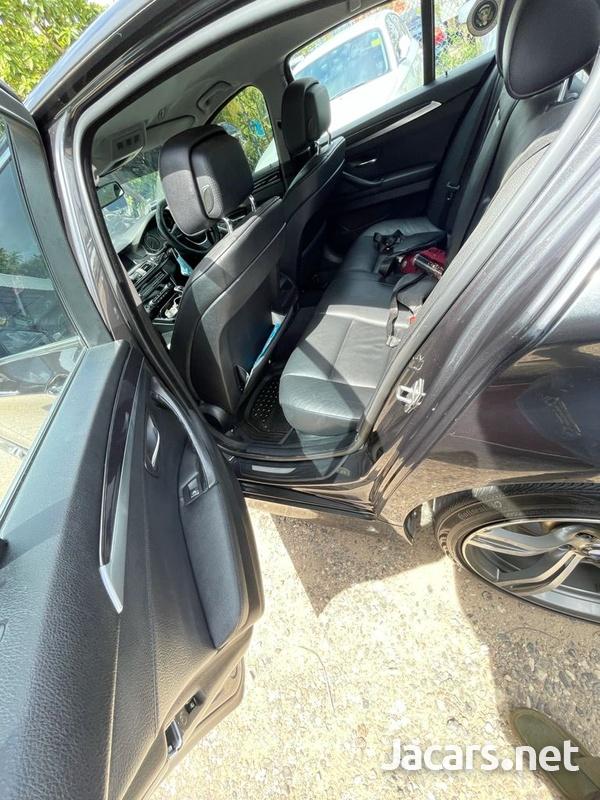 BMW 5-Series 2,0L 2013-9