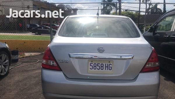 Nissan Tiida 1,5L 2010-4