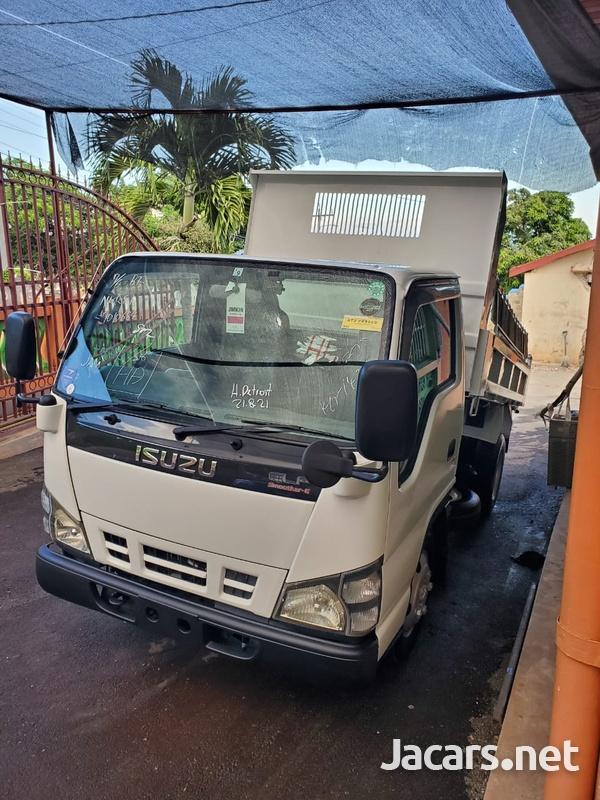 2005 Isuzu Truck-5