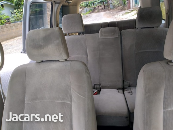 Toyota Isis 1,8L 2010-11